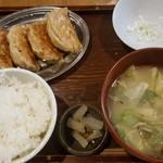 77124166 - 大粒餃子定食990円