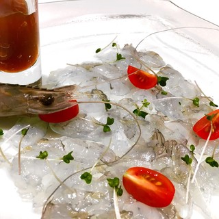 世界最高品質の証明も取得した『天使の海老』&こだわりの肉料理