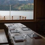 徳山鮓 - 2017.11 テーブル席