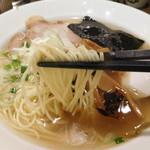 ラーメンヨシベー - 細麺