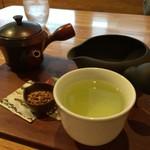 日本茶甘味処あずき - 違うアングルで八女茶