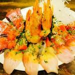 オリオリ - カルパッチョ盛り                             ボタンエビ、カツオ、イナダ、炙り寒サワラ