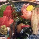 7713091 - 囲坊主にいったらまずお刺身は食べるべし!
