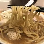 77130216 - 力皇らーめん(780円)麺リフト