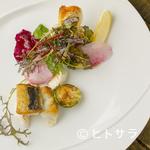 ビストロ オリーブ - 素材の旨味を存分に味わえる『旬の天然鮮魚の香草焼き ガルグイユ風』