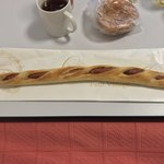 粉とクリーム - 本日のポンイツ。         全長およそ35cm、長〜いウインナー棒         自宅にて
