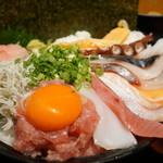 まるさ水産 - 海鮮丼1200円