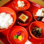 西源院 - 精進料理:湯どうふ付き3300円