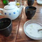 7714575 - ジャスミンティー、食後サービスのウーロン茶、タピオカココナッツミルクぜんざい