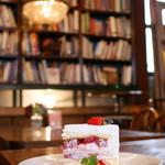 THE GLOBE Cafe - ストロベリーショートケーキ
