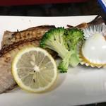 久村の酒場 - 赤魚焼き&半熟ゆで卵 450円税別