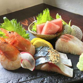 毎日市場直送!新鮮なお魚をお刺身で♪
