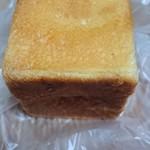 ブランジェリー コム・シノワ - タヒチバニラのクリームパン180円