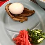 粉工房 イケ麺 - 沖縄そば こってり(純豚骨) ラフテー