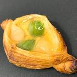 パン・ド・ラサ - 洋ナシと桃のデニッシュ(175)