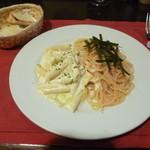 オステリア スドウ - スパゲッティ2種盛り(明太子とむかごのスパゲッティ&ズワイガニとオレンジ白菜クリームソースペンネ)