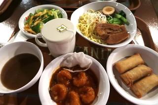ヴォルケイニア・レストラン - ヴォルケイニアセット  つけ麺、エビチリ、サラダ、ジャスミン茶と、単品の春巻き