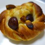 ミアズ ブレッド - 栗とアーモンドのパン