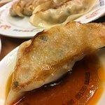 博多金龍 - 味も食べ応えも抜群にいい金龍のでか餃子
