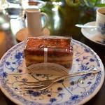 カフェ・ド・パルファン - チョコとバニラのケーキ