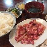 大丸 - 料理写真:♪カルビ定食(神戸牛)¥1330