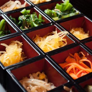 野菜にも妥協無!契約農家の新鮮な野菜をお楽しみください。