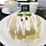 Urth Caffé - オーガニックコーヒーパンケーキ