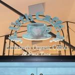 Urth Caffé - 外観