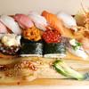 江戸前 びっくり寿司 - 料理写真:びっくり寿司 びっしり1.5人前。他とは比べものにはならない。他店圧倒。オールスター。「大名穴子」のボリューム感、大とろ、中とろ、ぼたん海老、あじ、えんがわ、白身、うに、いくら、サーモン、玉子、海老天巻です!びっくり寿司の醍醐味