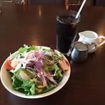 ル プティ ジャルダン - サラダ・ライス +250円税込