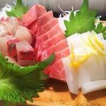 かわなみ鮨 - 鮪、縞アジ、墨いか