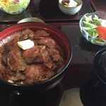 77177013 - ビフテキ丼  2600円(税抜き)