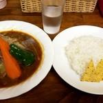 スープカレー カムイ - 「ツバメ」謹製ジンジャーポークカレー:1,200円