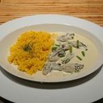 骨と皮 - 牡蠣のクリーム煮、サフランリゾット