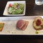 ソリッソ - 食べログクーポンサービスの前菜3種盛り&サラダ