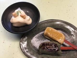 奈良町豆腐庵こんどう - 梨の白和え,生麩田楽