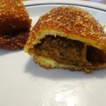 ビエント湘南 - たっぷりフィリングのカレーパン