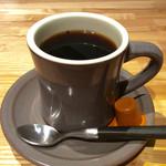 タブレスクック&ジョナサンズ ブックストア - ホットコーヒー。