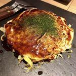 広島お好み てっぱんベイビー新宿東口店 - 肉玉焼き