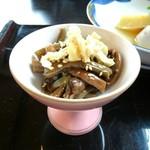 志ぐれ亭 - ぜんまいの煮物