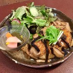 ジャム cafe 可鈴 - 今週の週替わりランチのメイン「蓮根バーグ きのこあんかけ」