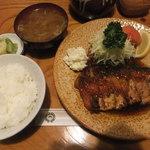 77191583 - 特生姜焼き(1,100円)、ご飯(180円)、味噌汁(180円)