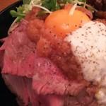 お肉と神戸野菜とワインとチーズ TOROROSSO - ローストビーフ丼