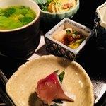 おばん菜 さけ 田 - お通し。鯖寿司。