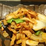 77194728 - 豚肉と紋甲イカのピリ辛炒め