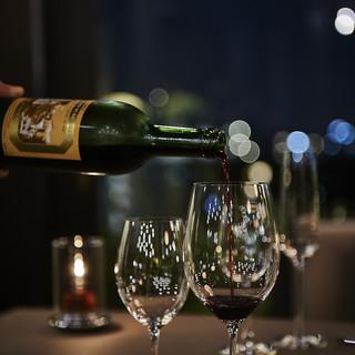 ソムリエがお勧め♪豊富に揃うこだわりのワイン~