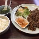 焼肉井ノ口 - 焼肉定食(大)800円。ボリューム満点で美味しい。