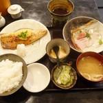 魚専門居酒屋 ころすけ - 真サバの味噌焼とお刺身ランチ(1,000円)