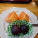 ねざめホテル - 果物(柿、ぶどう)