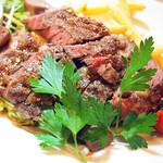 ジ・メルカート - 熟成アンガス黒牛のステーキとフレンチフライ 2,200円